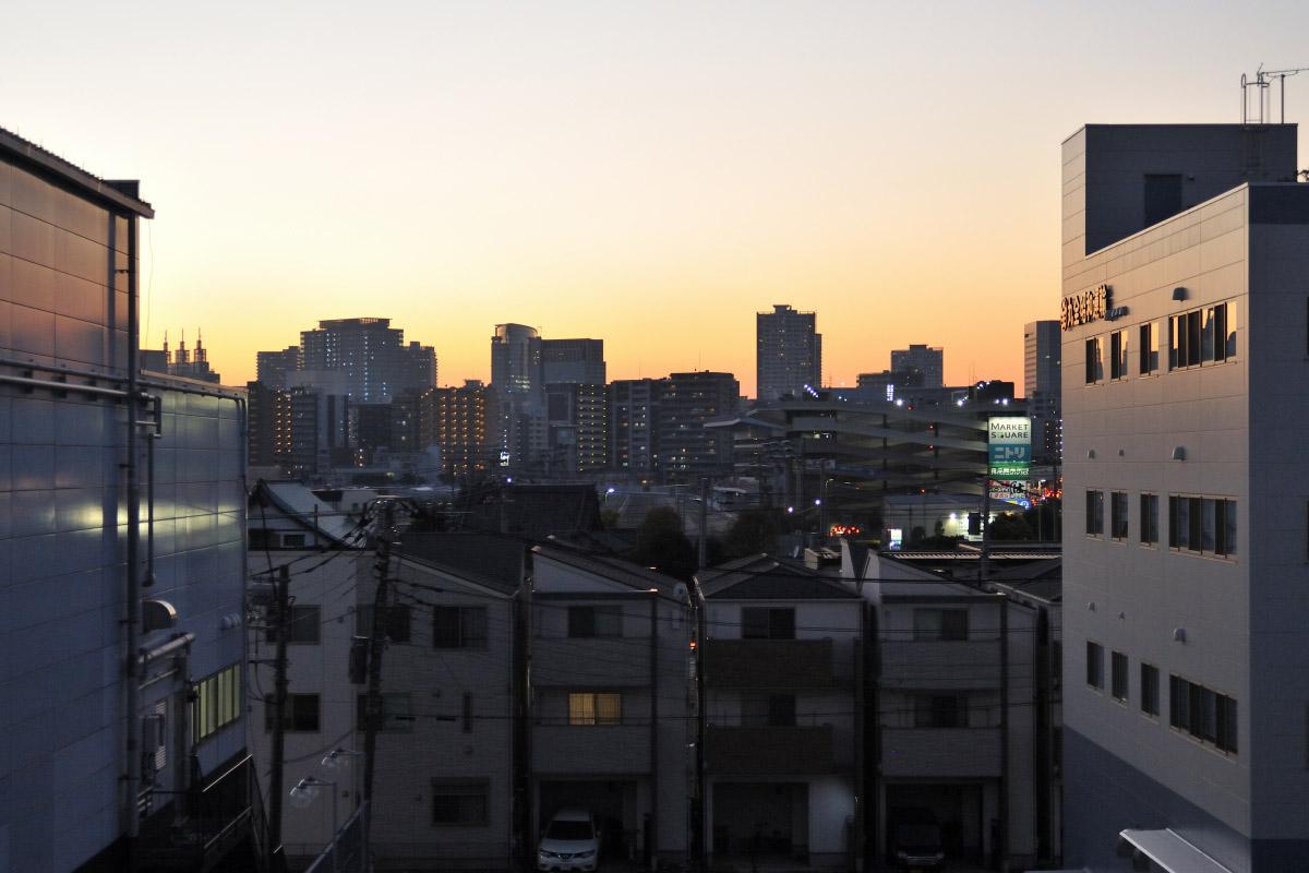 zoom nikkor35-70mm作例夕日の街並み
