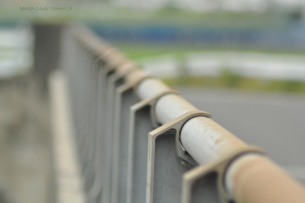 NIKKOR-Q Auto 135mm F2.8作例橋の欄干